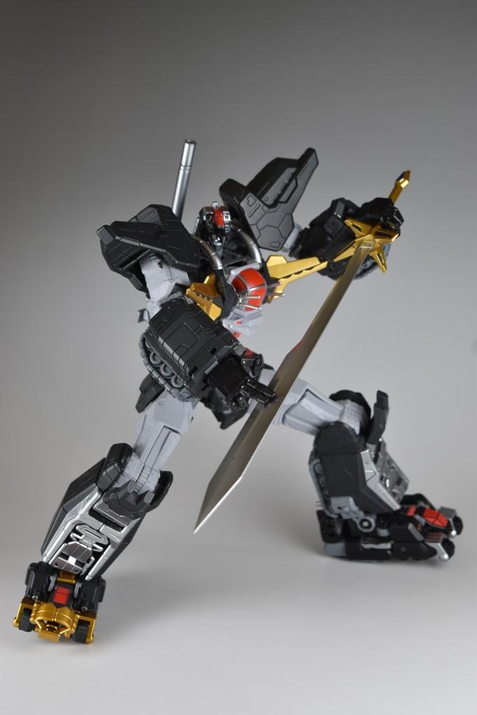 剣に力を蓄えて、、