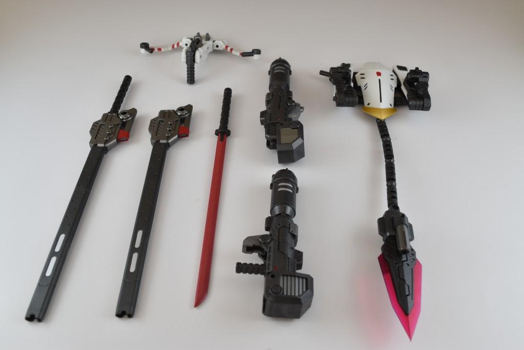 豊富な武装類。